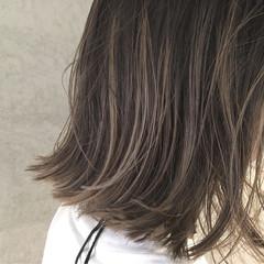 外国人風 色気 小顔 ブラウン ヘアスタイルや髪型の写真・画像