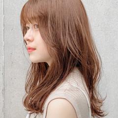 ミディアム ミディアムレイヤー ナチュラル 外ハネ ヘアスタイルや髪型の写真・画像