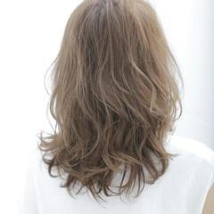 フェミニン セミロング イルミナカラー ヘアスタイルや髪型の写真・画像