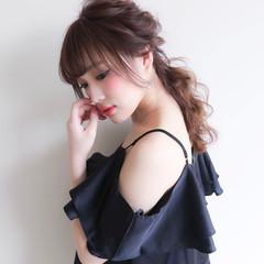 ポニーテール セミロング フェミニン ヘアアレンジ ヘアスタイルや髪型の写真・画像