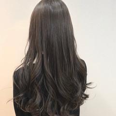 オリーブグレージュ 外国人風カラー 外国人風 ロング ヘアスタイルや髪型の写真・画像