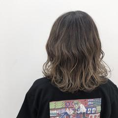 ヘアアレンジ グレージュ グラデーションカラー 外国人風カラー ヘアスタイルや髪型の写真・画像