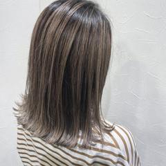コントラストハイライト バレイヤージュ ボブ 切りっぱなしボブ ヘアスタイルや髪型の写真・画像