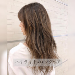 セミロング コントラストハイライト ナチュラル 巻き髪 ヘアスタイルや髪型の写真・画像