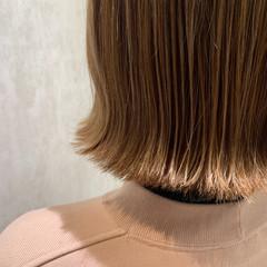 ナチュラル ミルクティーベージュ ベージュ ボブ ヘアスタイルや髪型の写真・画像