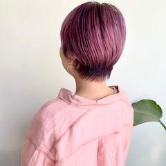 フェミニン ショート ラズベリーピンク カシスカラー ヘアスタイルや髪型の写真・画像