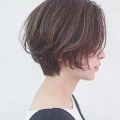 ショート 色気 インナーカラー ハイライト ヘアスタイルや髪型の写真・画像