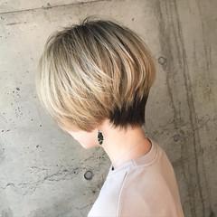 ハンサムショート ショート ベージュ ナチュラル ヘアスタイルや髪型の写真・画像