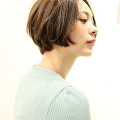 かわいい ナチュラル ショート アッシュベージュ ヘアスタイルや髪型の写真・画像