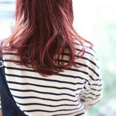 レッド 外国人風 ゆるふわ ストリート ヘアスタイルや髪型の写真・画像