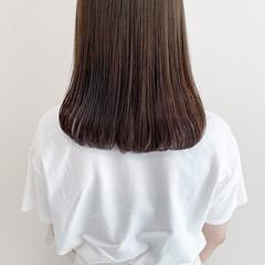 オリーブベージュ オリーブグレージュ ミディアム ブリーチなし ヘアスタイルや髪型の写真・画像