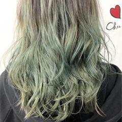 グラデーションカラー 黒髪 セミロング グリーン ヘアスタイルや髪型の写真・画像