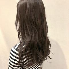 シナモンベージュ ヌーディベージュ デート ナチュラル ヘアスタイルや髪型の写真・画像