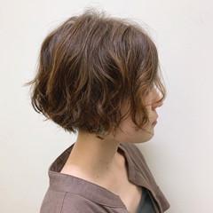大人ショート アッシュ ナチュラル ショート ヘアスタイルや髪型の写真・画像