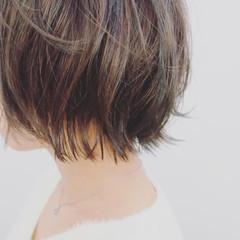 ショート アンニュイ 外ハネ ナチュラル ヘアスタイルや髪型の写真・画像