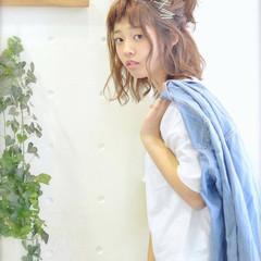 ヘアピン ヘアアクセ 波ウェーブ ヘアアレンジ ヘアスタイルや髪型の写真・画像