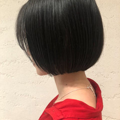 モード ミニボブ ブルーブラック まとまるボブ ヘアスタイルや髪型の写真・画像