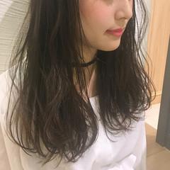ロング 暗髪 ナチュラル 外国人風 ヘアスタイルや髪型の写真・画像