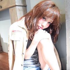 フェミニン オン眉 ゆるふわ 外国人風 ヘアスタイルや髪型の写真・画像