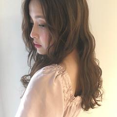 パーマ フェミニン ゆるふわ 外国人風 ヘアスタイルや髪型の写真・画像