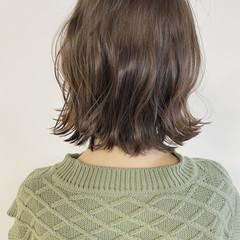 ブラウンベージュ 透明感カラー アッシュベージュ ナチュラル ヘアスタイルや髪型の写真・画像