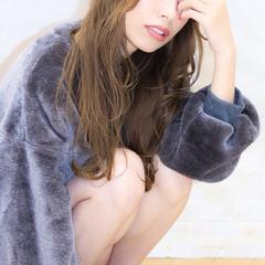 パーマ セミロング ゆるふわ フェミニン ヘアスタイルや髪型の写真・画像