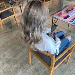 ストリート グレージュ カジュアル ホワイトブリーチ ヘアスタイルや髪型の写真・画像