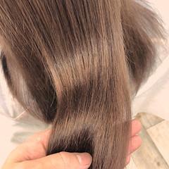 カジュアル ミルクティーベージュ フェミニン 髪質改善トリートメント ヘアスタイルや髪型の写真・画像