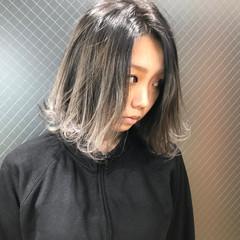 ホワイト 外国人風 ミディアム ナチュラル ヘアスタイルや髪型の写真・画像