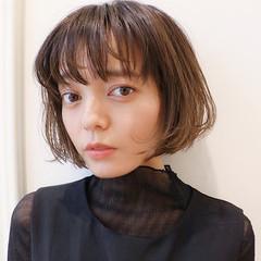 シースルーバング 前髪あり ナチュラル イルミナカラー ヘアスタイルや髪型の写真・画像