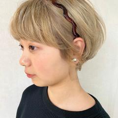簡単ヘアアレンジ ヘアアレンジ ガーリー カチューシャ ヘアスタイルや髪型の写真・画像