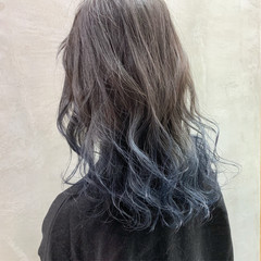 グラデーションカラー グレージュ ブリーチ セミロング ヘアスタイルや髪型の写真・画像