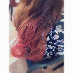 外国人風 レッド ブリーチ ピンク ヘアスタイルや髪型の写真・画像