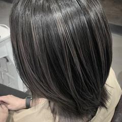 ラベンダーグレージュ 透明感カラー ショート コントラストハイライト ヘアスタイルや髪型の写真・画像