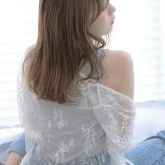 フェミニン 透明感 ふわふわ 前髪あり ヘアスタイルや髪型の写真・画像