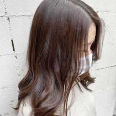 ショコラブラウン ミルクティーブラウン 透明感カラー セミロング ヘアスタイルや髪型の写真・画像