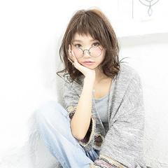 外国人風 パーマ ミディアム 前髪あり ヘアスタイルや髪型の写真・画像