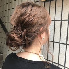 ナチュラル 結婚式 ミルクティーベージュ ヘアアレンジ ヘアスタイルや髪型の写真・画像