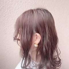 アンニュイほつれヘア オフィス 大人可愛い ミディアム ヘアスタイルや髪型の写真・画像
