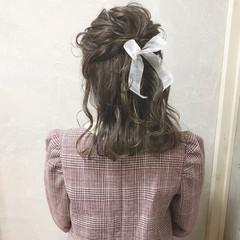 ガーリー ヘアアレンジ ミディアム ハーフアップ ヘアスタイルや髪型の写真・画像