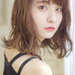 女子力 セミロング ウェットヘア ハイライト ヘアスタイルや髪型の写真・画像