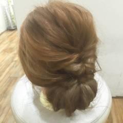 ナチュラル ヘアアレンジ まとめ髪 ミディアム ヘアスタイルや髪型の写真・画像