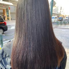アッシュベージュ レイヤーカット ナチュラル ヌーディベージュ ヘアスタイルや髪型の写真・画像