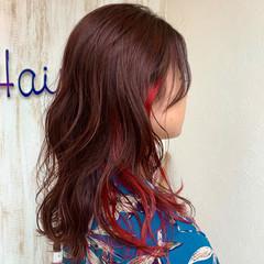 グラデーションカラー ストリート インナーカラーレッド セミロング ヘアスタイルや髪型の写真・画像