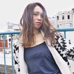 ブラウン アッシュ グラデーションカラー ロング ヘアスタイルや髪型の写真・画像