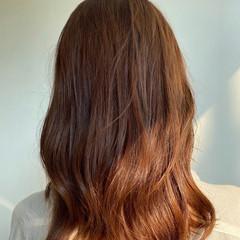 ミディアム デート 透明感カラー フェミニン ヘアスタイルや髪型の写真・画像