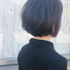 こなれ感 ショートボブ 大人かわいい デジタルパーマ ヘアスタイルや髪型の写真・画像