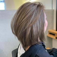 ミディアム ストリート エアータッチ ハイライト ヘアスタイルや髪型の写真・画像