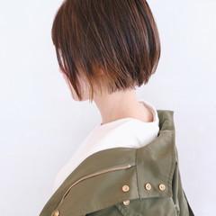 インナーカラー ショート ショートヘア ミニボブ ヘアスタイルや髪型の写真・画像