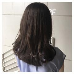 ミディアム ロブ ナチュラル マットグレージュ ヘアスタイルや髪型の写真・画像
